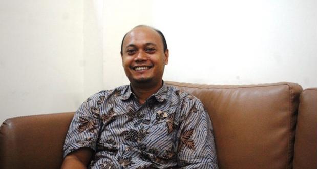 Iman Prihandono, S.H., LL.M., Ph.D. – Pakar Hukum Bisnis dan HAM Universitas Airlangga